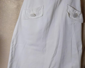 """1918 White Heavy Cotton Skirt with Two Pockets, Waist 22"""""""