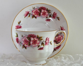 Queen Anne Teacup and Saucer Fine Bone China 8498 Pink Roses Gold Trim Made in England