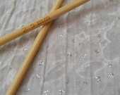 2.5mm Bamboo Circular Knitting Needles. Sustainable, Strong, Smooth, Light 100cm / 39inch long