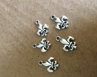 Iris Fleur De Lis Charms (10 pieces)