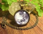 Necklace, Pendant, Antique Brass, Full Moon, 25mm, Glass Dome Necklace, Vintage Print, Astronomy, Brass Jewelry, Nature Jewelry, Luna
