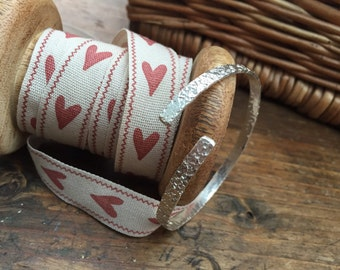 Handcrafted Textured Bangle