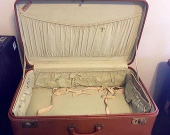 Vintage Oshkosh luggage/train case camel leather monogrammed with keys