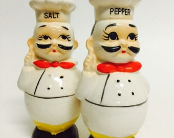 Vintage Kitsch Chef Salt and Pepper Shakers, Roly Poly Chef Shakers, 1970s Chef Shaker, 1970s Kitchen