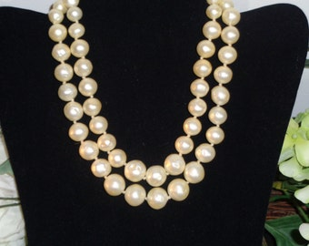 DeMario Faux Dimpled Pearl Double Strand Flower Clasp Necklace Small Neck 14-15 inches