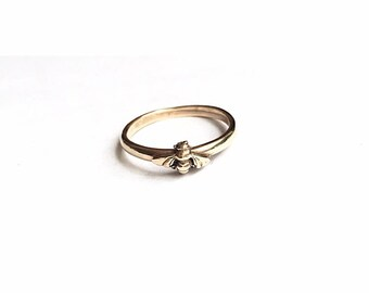 9ct gold Bee ring