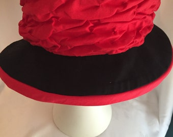 Black and red sunhat