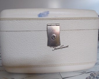 Vintage Travel Case by Travel Smart White Off White Makeup 1950s 1960s