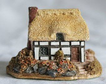 Lilliput Lane ~   Thatched Roof Cottage
