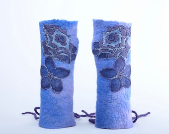 Felt mittens in blue with lace flowers & lacing - felt fingerless gloves made of merino wool, felted wrist warmers, women mitts [M4]