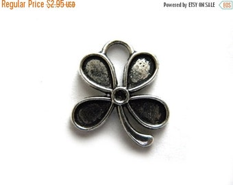 SALE 10 Silver Flower Charms