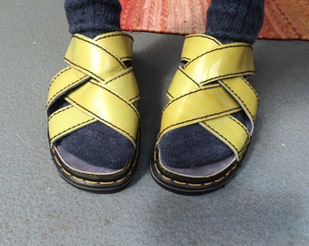 Unique Dr martens yellow 90s platform summer sandal / womens UK 6 and US 7