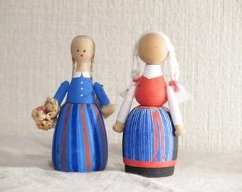 Set of 2 Wood Dolls, Sweden Folk Art Dolls, Folk Costumes, Handmade Wooden Dolls, Scandinavia @118