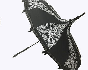 Hilary's Vanity Pagoda Shaped Umbrella B/W BAT DAMASK W/ Lace, Bows & a Hook Handle