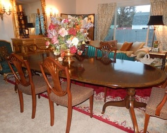 HENREDON DINING ROOM Table And Six Chairs
