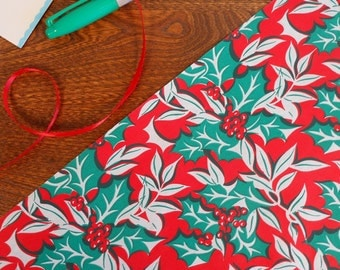 Gorgeous Vintage Bright Holly Leaves & Berries Gift Wrap 2 yard Roll