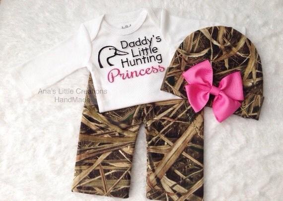 Mossy Oak Shadow Grass Blades Girl Newborn Take Home Outfit, Duck Hunter Camo, Baby Shower Gift Set, Camo Newborn Girl Outfit, Hot Pink
