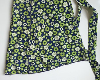 Pretty Vintage Apron Blue and Green Flowers