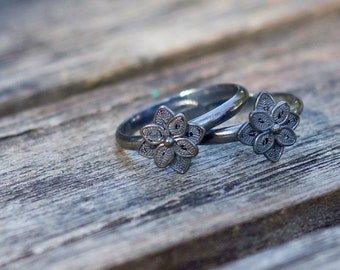 Patience ring - eight petals