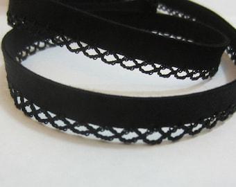 Bias binding with crocheted trim/border black