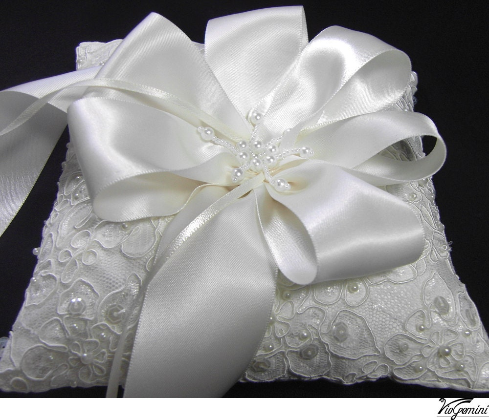 Ring bearer pillow lace wedding ring pillow alencon lace for Wedding ring bearer