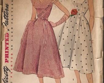 Simplicity 4672 Misses Dress Pattern, Size 14, Bust 32 Vintage 1950's