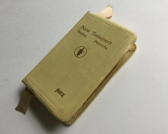 Vintage small new testament Bible for nurses  pocket size