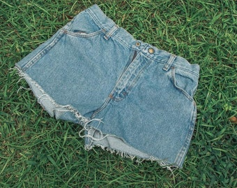 Vintage Women's Denim Cutoff Shorts (XS)