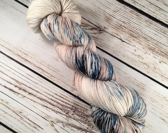 Lido Yarn in Sandbar: Hand-Dyed Superwash Merino/Nylon, 75/25