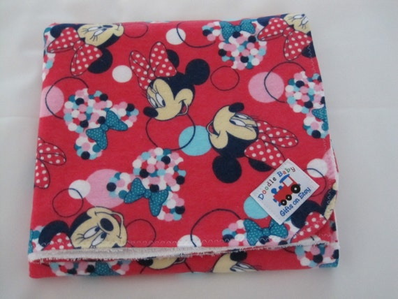 Tummy time/Diaper Rash/ Waterproof Bed Pads - Fuschia Pink background, Minnie Mouse