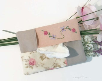 Roses Pocket Tissue Holder- Flowery Travel Tissue Case- Linen and silk  Pocket Case