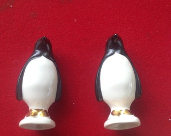 Vintage penguin ceramic salt and pepper shakers