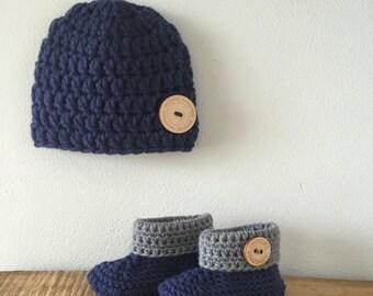 Handmade crochet newborn baby set - beanie - baby hat - baby booties