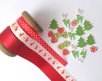 Christmas ribbon and button embellishment craft pack: 10 metre ribbon, 20 buttons in red and green. For scrapbook, card making, journal RB5