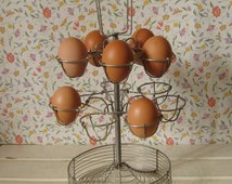 FRENCH EGG HOLDER / Vintage french egg basket / Made of wire / Metal / Kitchen decor / Mid century / 50s / Shabby chic / Bistro