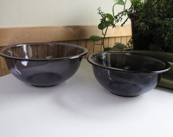 Amethyst Pyrex Nesting Bowls Set of Two (2) 325 Pyrex 2.4 Liter USA 26