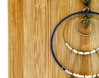 """Painting"" off-white-blue Medallion necklace"