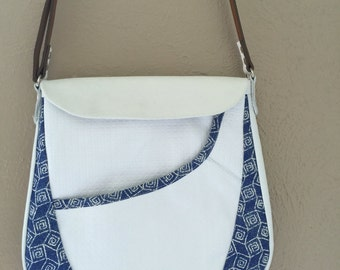 Retro with a twist 2 ... White / Blue Shoulder Bag