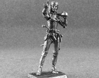 Medieval Female Miniature Pirate. 1/32 tin  sculpture. Metal toy soldier. Female sculpture 54mm