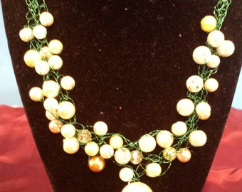 Green Wire Crochet Necklace With Pearls
