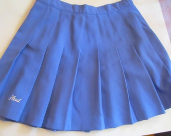 Woman  pleaded  blue  mini skirt  - size  14  vintage