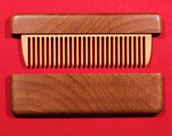 Comb in the case of beech wood