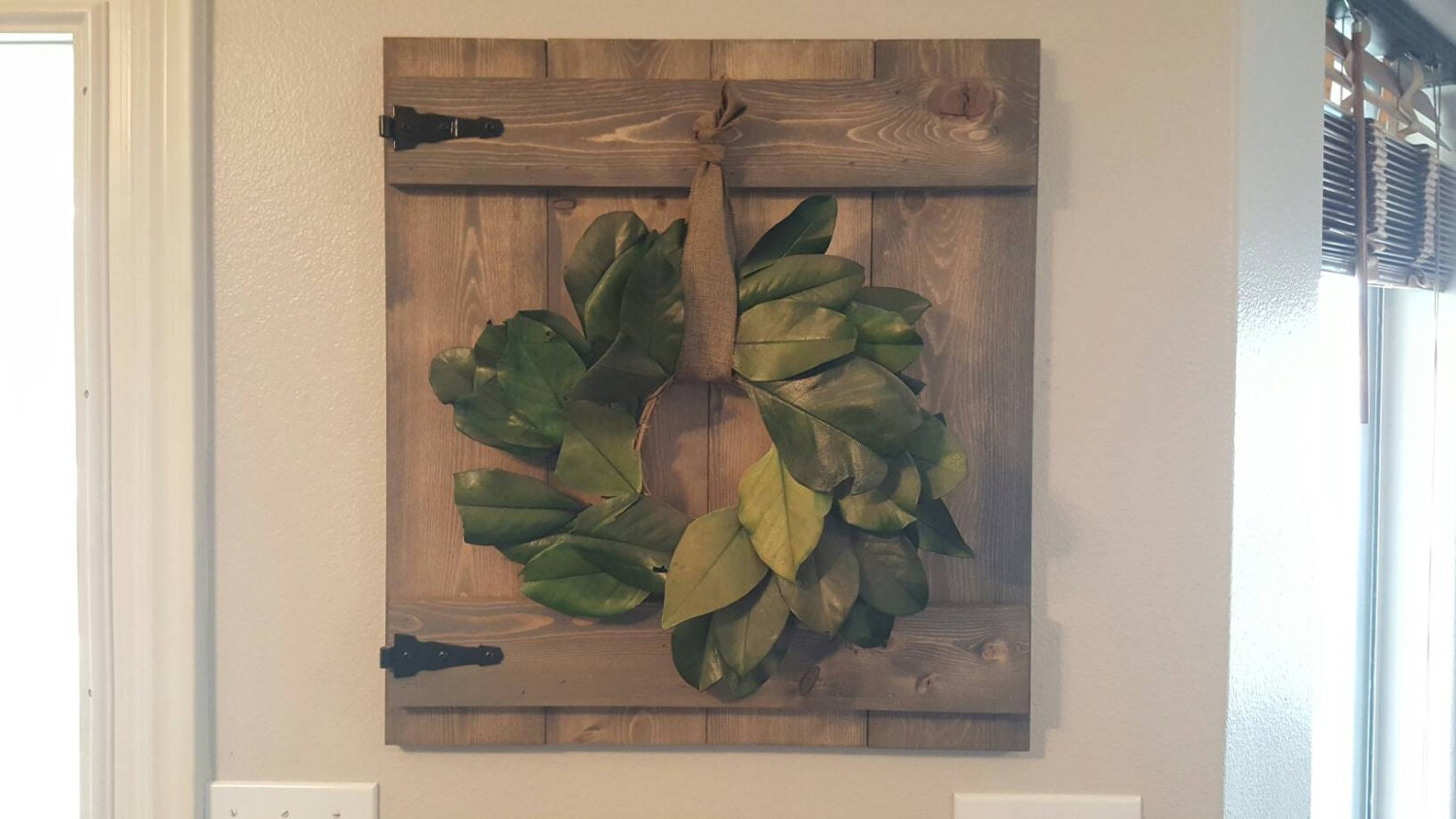 Rustic Bar Wall Decor : Rustic barn door wall hanging wreath hanger decor great