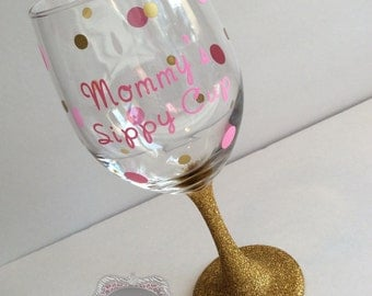 Glitter Glass Mommy's Sippy Cup Mommy Juice Glitter Wine Glass Baby Shower Gift New mommy hospital gift Pink and Gold Glitter 1st Birthday