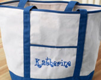 Large embroidered bag with zipper