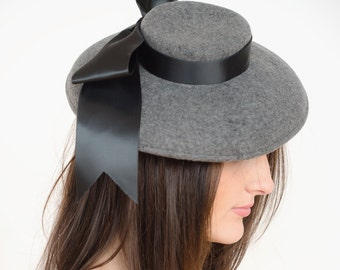 Sassy Boat hat with black satin bow