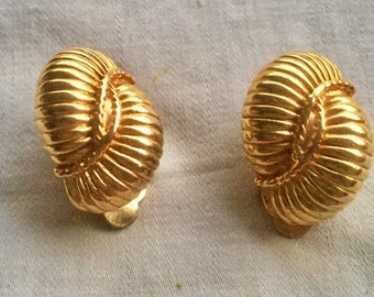 Earrings clip earrings plated gold 80s shape snails, shell