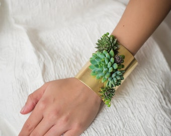 Live succulent cuff bracelet | statement bracelet | corsage | brass jewelry | floral jewelry | accessories | Bridesmaid gift