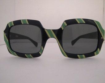 Vintage 1960 MOD Stripe Square Sunglasses (85BYG)