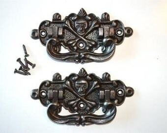 Pair of antique style coffin handles WH3